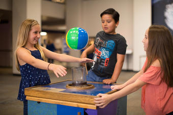 Bernoulli Effect at the Fleet Science Center