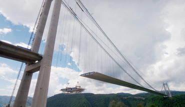 Fourteen of the top 20 tallest bridges are located in China. The Longjiang Bridge is China's longest and highest suspension bridge. Spanning a distance almost equal to the Golden Gate Bridge, the Longjiang towers 900 feet above a river gorge in western Yunnan Province.
