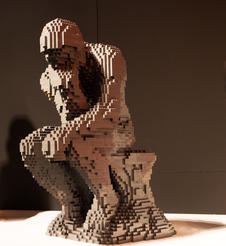 The Thinker. Photo courtesy of THE ART OF THE BRICK.