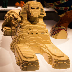 Sphinx. Photo courtesy of THE ART OF THE BRICK.